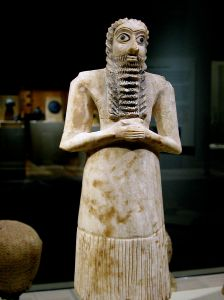 Mesopotamian alabaster worshipper statuette