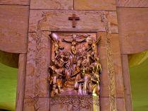 1198px-National_Shrine_of_the_Little_Flower_(Royal_Oak,_MI)_-_Station_of_the_Cross_XII