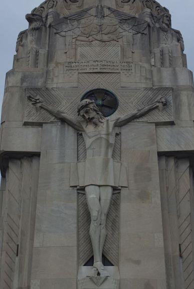 604px-National_Shrine_of_the_Little_Flower_(Royal_Oak,_MI)_-_Charity_Tower,_Christ_on_the_cross