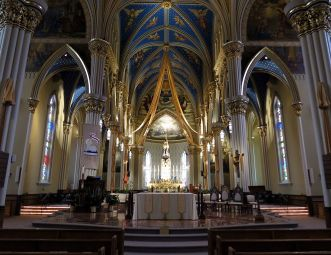 SACRED HEART BASILICA AT UNIV. OF NOTRE DAME —By Nheyob - Own work, CC BY-SA 3.0, https://commons.wikimedia.org/w/index.php?curid=26316125