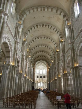 Art and Liturgy - Abbey of Saint Mary Magdalen Vezelay France Romanesque Interior