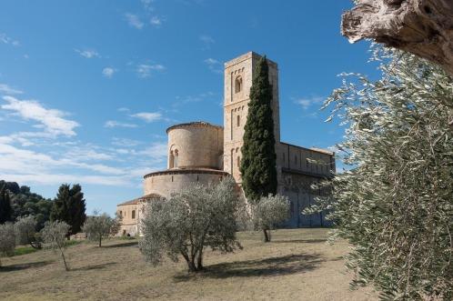 Art and Liturgy - Romanesque abbey