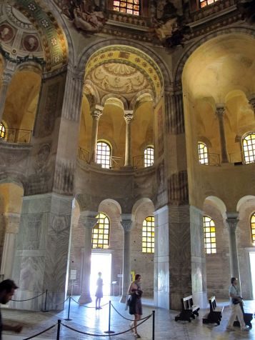 Interior of San Vitale - Photo by Sailko - Own work, CC BY-SA 3.0, https://commons.wikimedia.org/w/index.php?curid=28228481