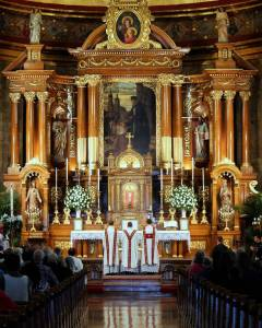 Art and Liturgy - St John Cantius Mass Ad Orientem