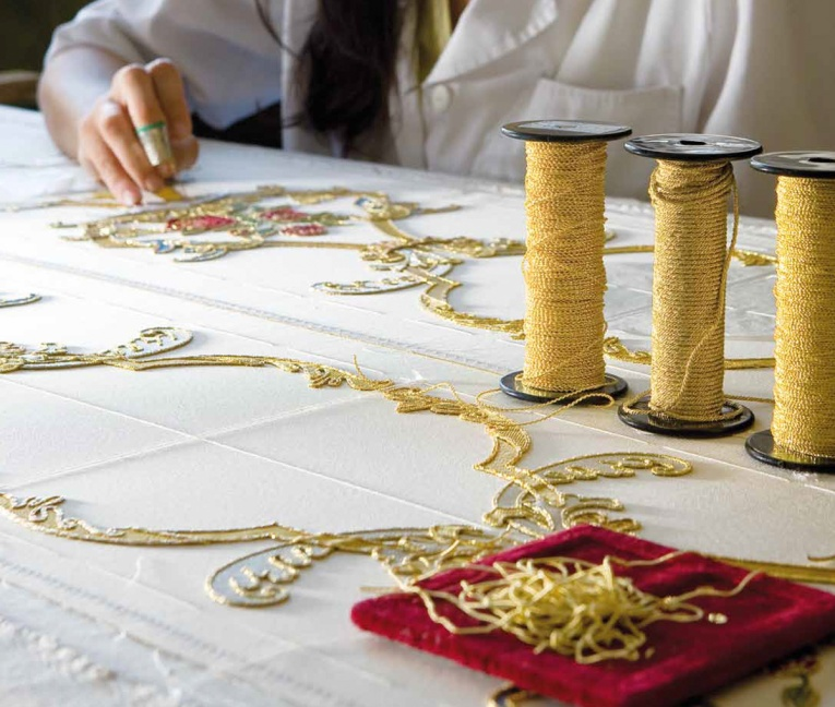 art-and-liturgy-los-rosales-seamstress-sewing-priestly-vestments