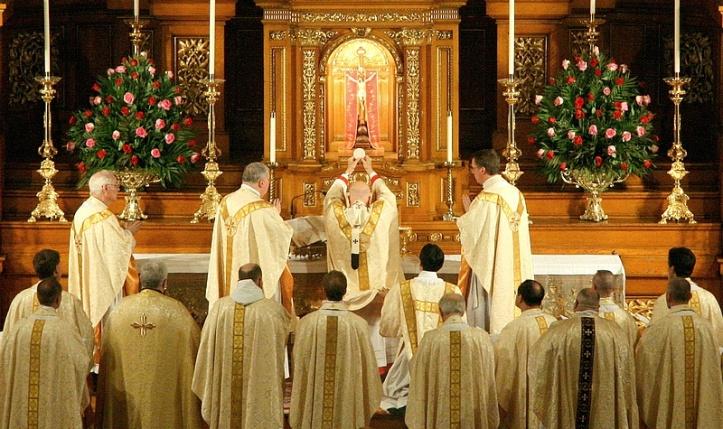 art-and-liturgy-cardinal-george-mass-at-st-john-cantius-chicago