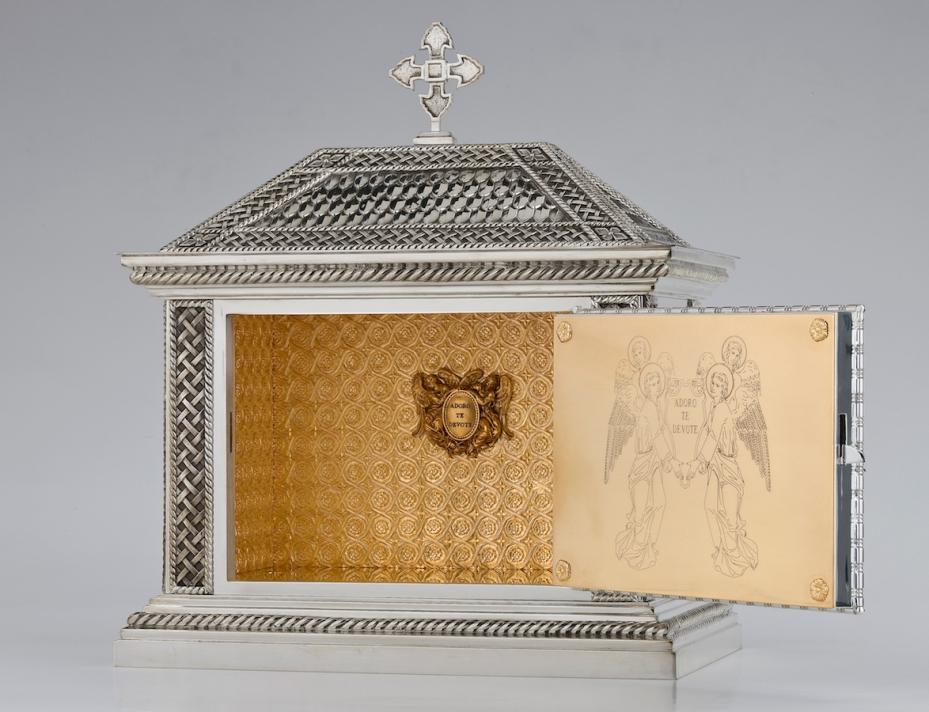 art-and-liturgy-granda-tabernacle-interior