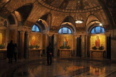National Shrine Crypt (Washington, DC). Ambulatory shrines. Photo by Serge Melki from Indianapolis, USA - The Crypt SOOC, CC BY 2.0, Link