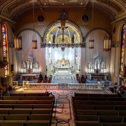 St. Stanislaus Oratory (Milwaukee, WI). Nave. Photo from Instagram profile of Roamin' Catholic Churches.