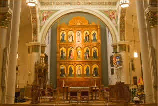 Cathedral Basilica of St. Francis Assisi (Santa Fe, NM). Photo by Flickr user Ron Cogswell, shared here under a CC license.
